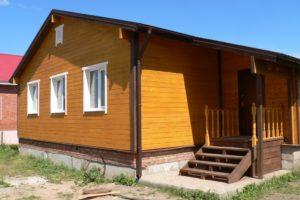 otdelka-fasada-derevyannogo-doma-5